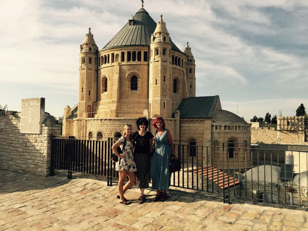 vor der Dormitio Abtei